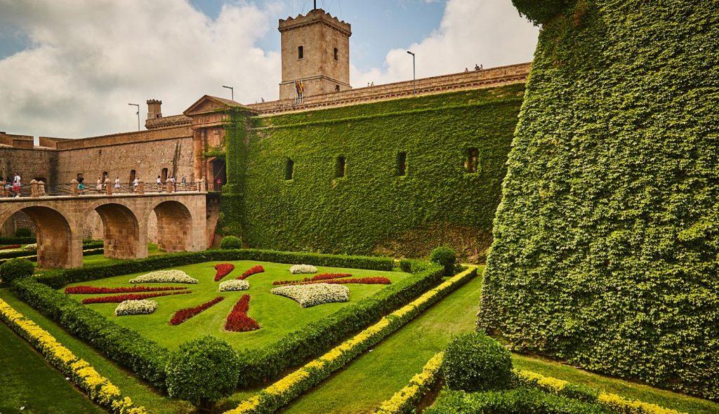 montjuic-castle-barcelona-pickapictour